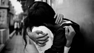 hugging_2